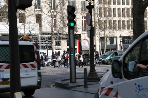 パリ(Paris)の自動車用信号